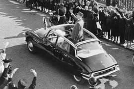 Charles de Gaulle w Citroënie DS