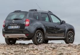 Dacia Duster z tyłu