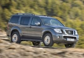 Nissan Pathfinder – widok z przodu