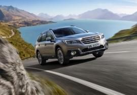 Subaru Outback na jezdni